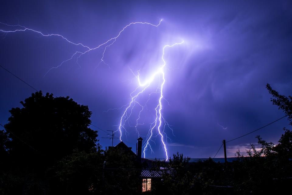 Синоптики предупредили об опасной погоде в Поволжье и на юге страны