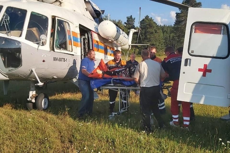 Женщину в тяжелом состоянии доставили в больницу Североуральска Фото: ГУ МЧС по Свердловской области