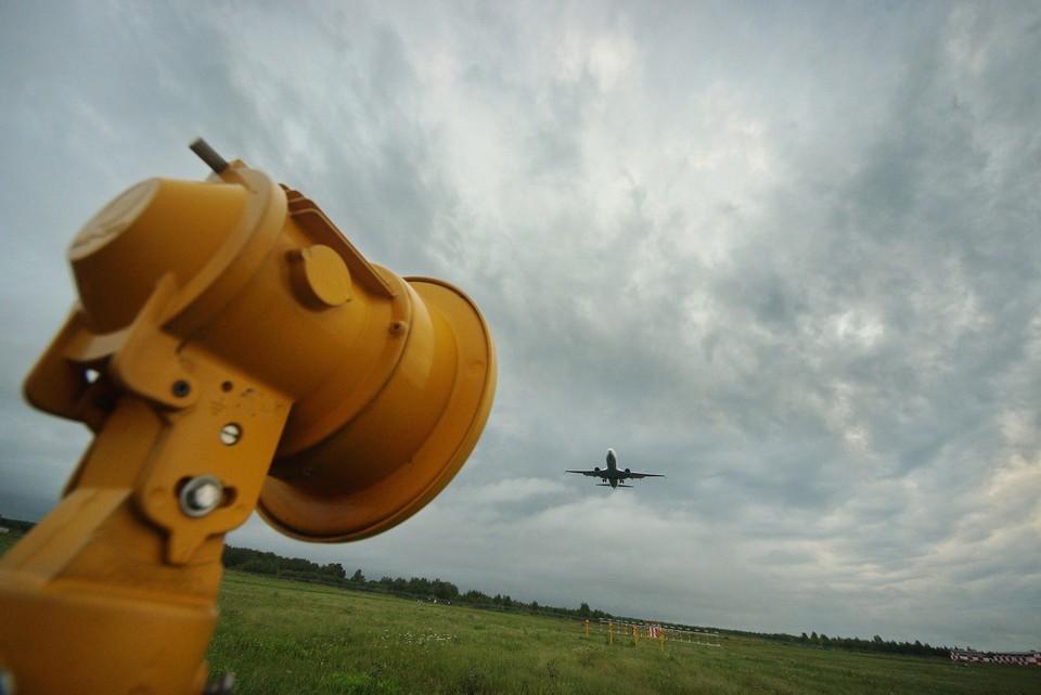 Самолеты вынуждены были кружить какое-то время в небе