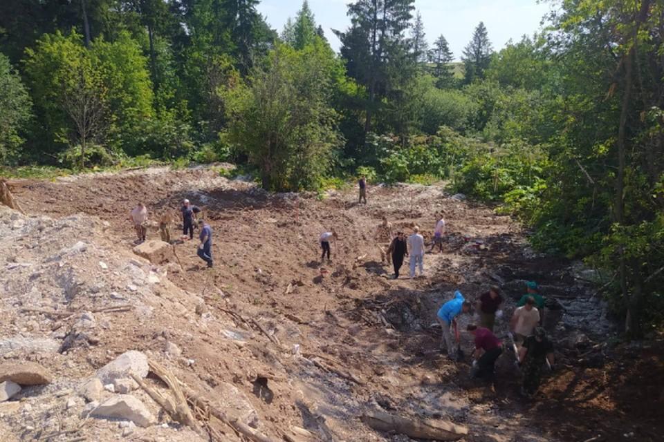 С территории уже вывезли порядка 1500 кубометров бетона. Фото: kirovreg.ru
