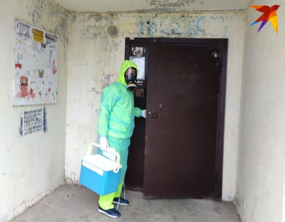 Почти три тысячи медработников заразились коронавирусом на рабочем месте