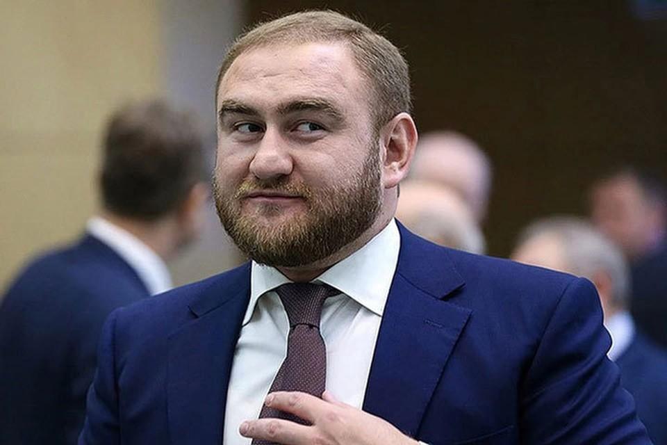 Экс-сенатору и его родне суд оставил всего две квартиры. Фото: Валерий Шарифулин/ТАСС