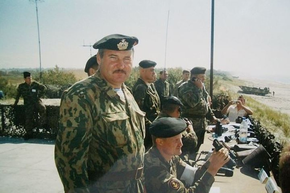 Константин Нейцель служил в морской пехоте, воевал в Чечне.