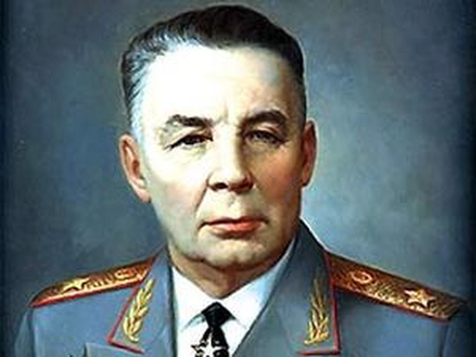 В Кишинев был открыт памятник основателю Воздушно-десантных войск (ВДВ), Герою Советского Союза, генералу армии Василию Маргелову.