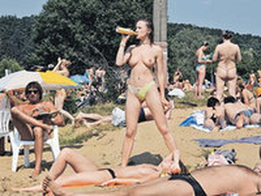 Голые девушке на пляже при всех и при незнакомых мужчинах фото 705-172