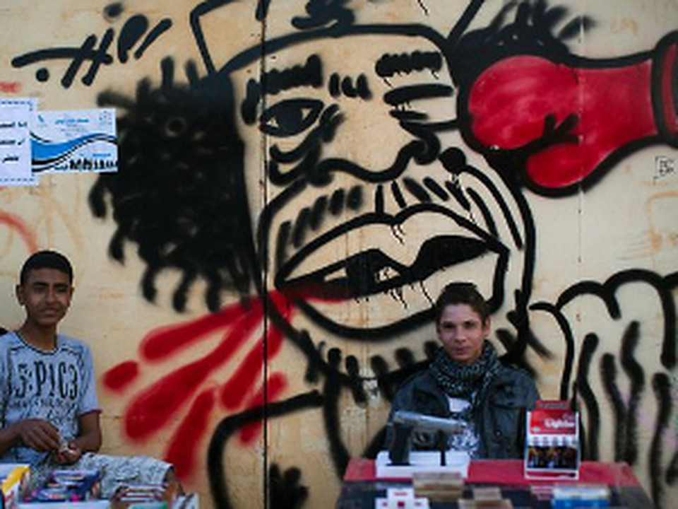 Каддафи потерял Триполи и друга