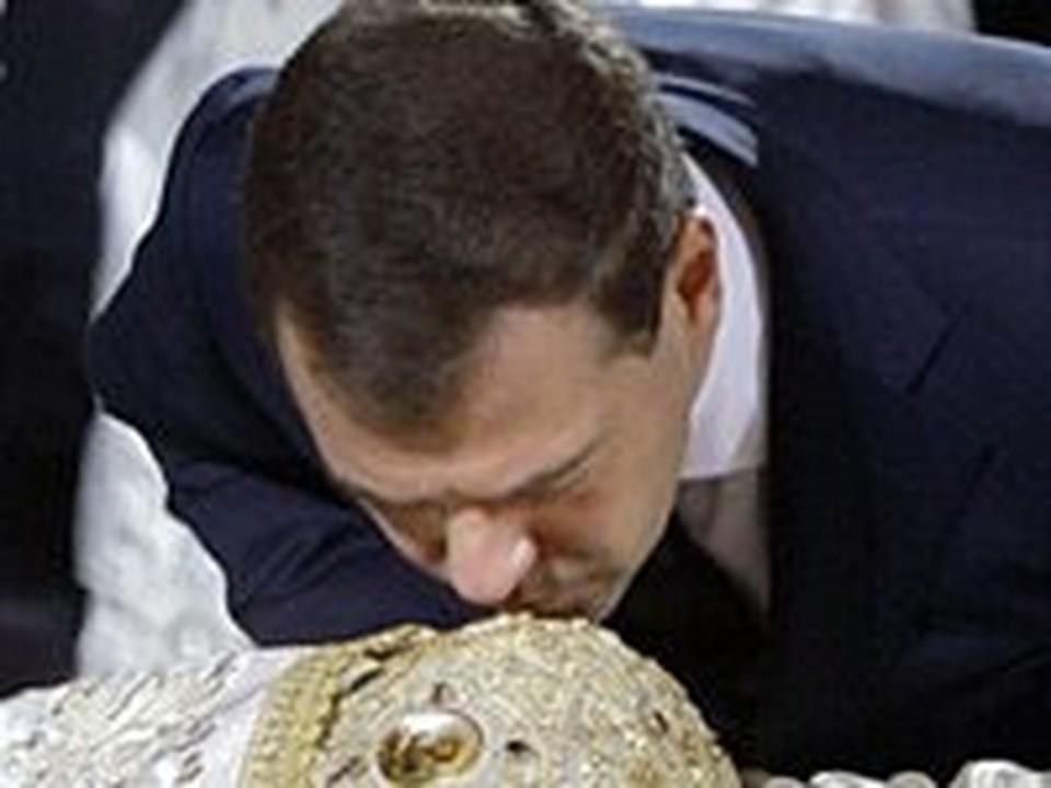 Дмитрий Медведев простился с Патриархом