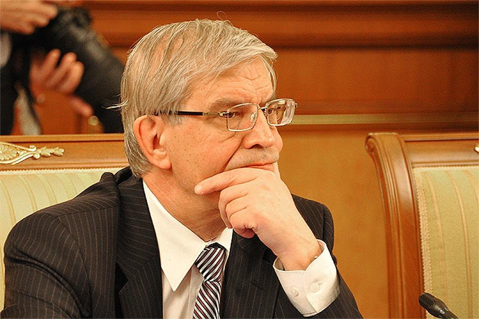 Глава Центробанка Сергей Игнатьев обвинил банки в том, что они уводят деньги из России