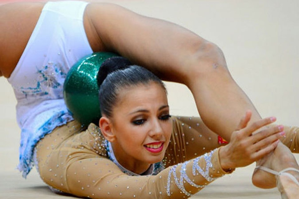 smotret-otkrovennoe-foto-gimnastok-v-sportzale