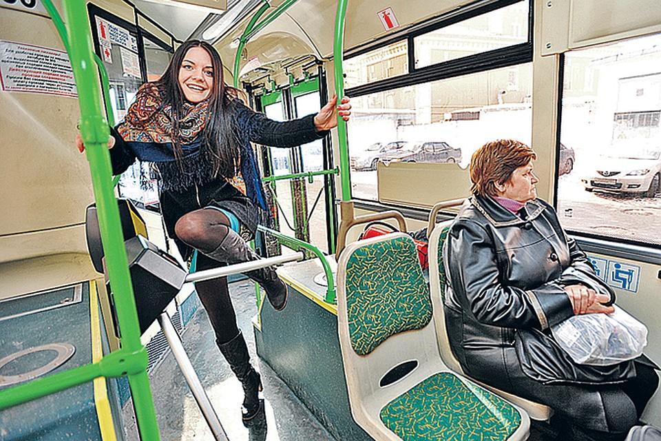 Обобщенный сонник увидеть во сне автобус — будете переосмысливать свое положение в обществе, свои цели и свои знания.