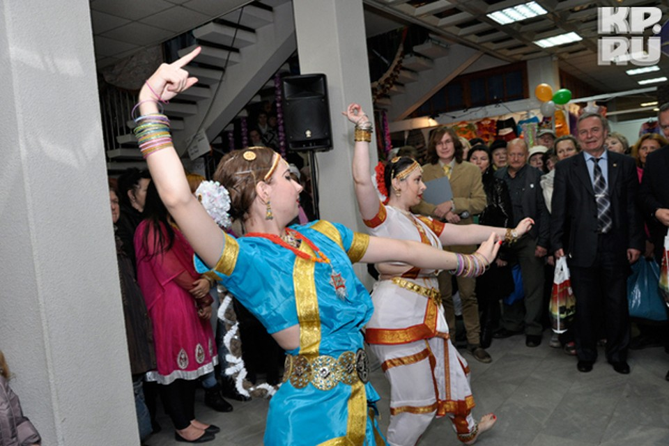Помимо лекций северяне смогут увидеть индийские танцы.