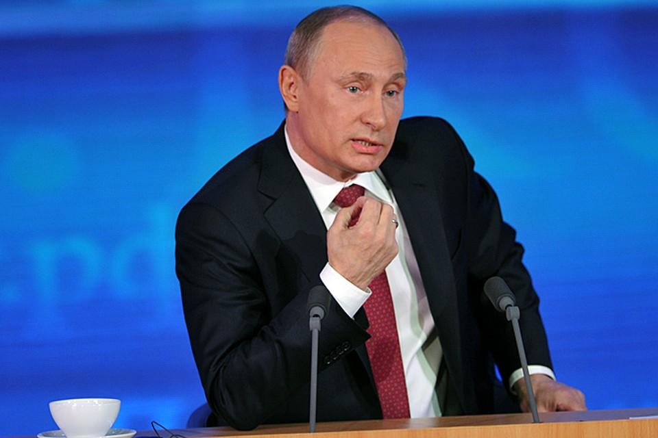 Весь период правления президента Путина - это череда сменяющих друг друга пропагандистских кампаний