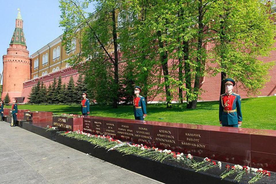 С Александровского сада стали часто воровать цветы