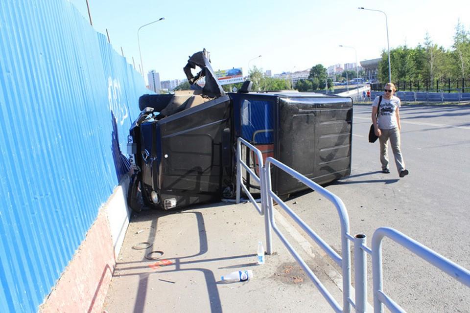 По счастливой случайности, в тот момент на пешеходной дорожке не было людей