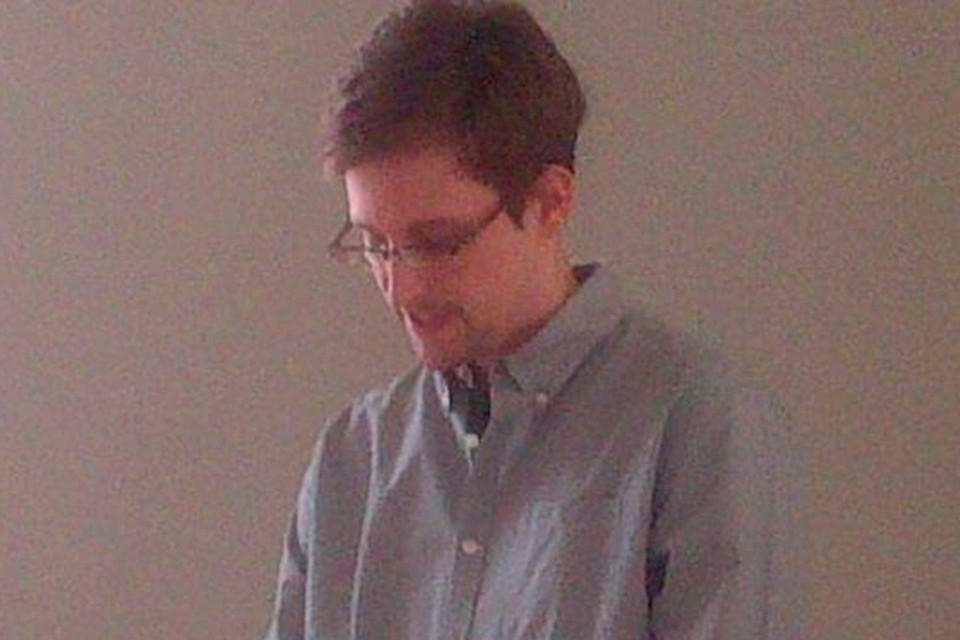 Эдвард Сноуден подал официальное прошение о политическом убежище в России