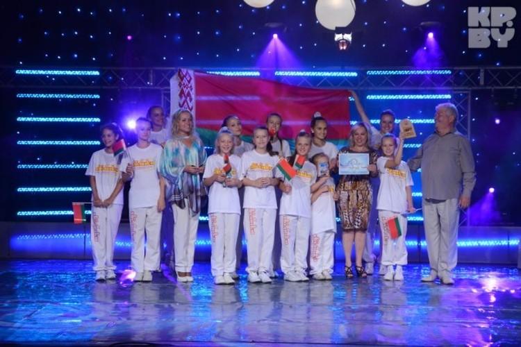 В Македонии на ежегодном фестивале «Езерски бисери» наш театр эстрадной песни «Хвілінка» получил три награды