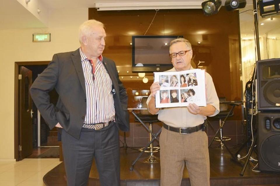 «Дураки и манекены» - так называется новая книга члена Союза писателей России Александра Бондаря, презентация которой  состоялась недавно во Владивостоке.