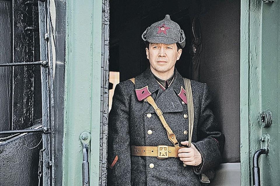 Евгению Миронову пришлось сыграть не только вора-медвежатника, но и капитана Красной армии