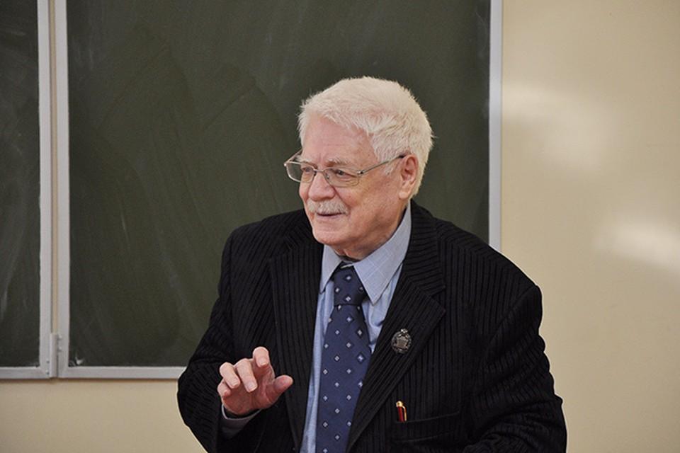 Вадим Соломонович Баевский на вручении премии имени Николая Рыленкова, 22 февраля 2013 года.
