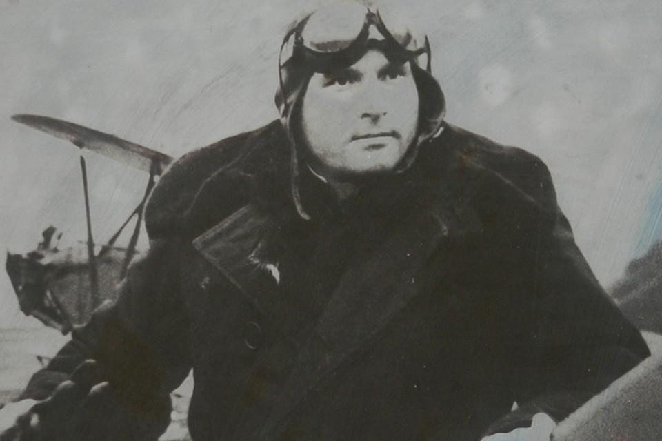 Командир эскадрильи Павел Камозин. Фото сделано в 1944 году.
