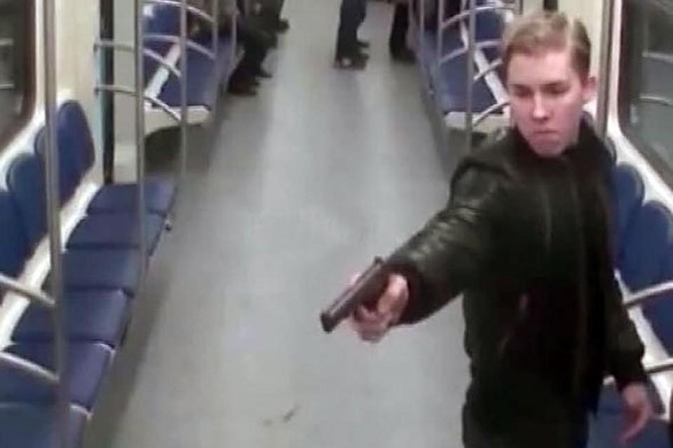 Отец парня дважды выстрелил в уроженца Дагестана, а Паршин-младший угрожал тому пистолетом