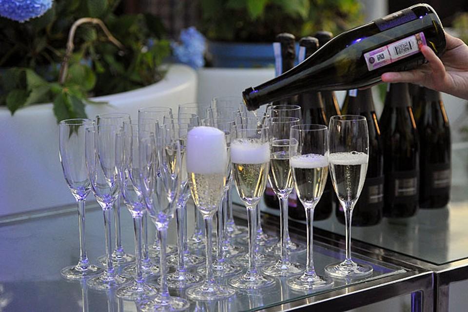 Ученые не рекомендуют хранить шампанское при комнатной температуре