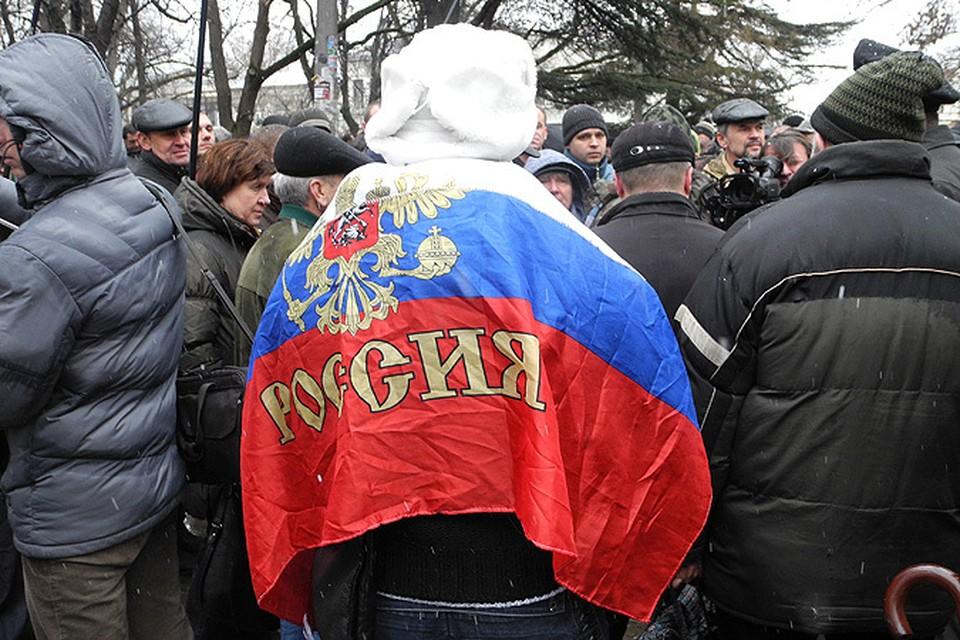 В четверг ситуация в Крыму только накалилась: сторонники российского курса взяли штурмом здание местного парламента.