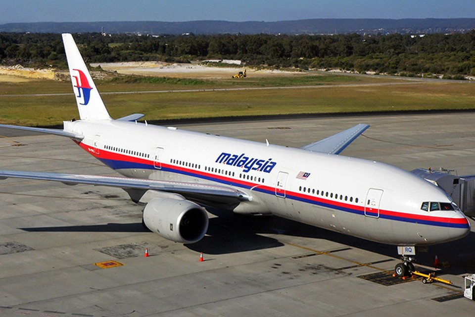 Малайзия не исключает версии о теракте на борту пропавшего самолета