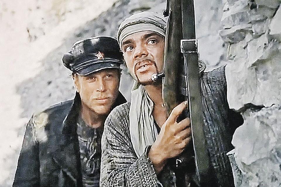 Молодые актеры Юрий Богатырев и Константин Райкин прошли на картине проверку на прочность. Им приходилось самостоятельно выполнять опасные трюки.
