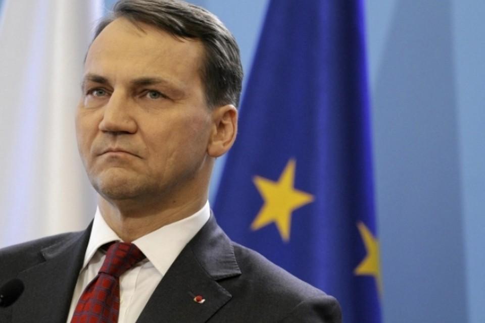 В Польше разгорается настоящий скандал, который может стоить карьеры министру иностранных дел этой страны Радославу Сикорскому