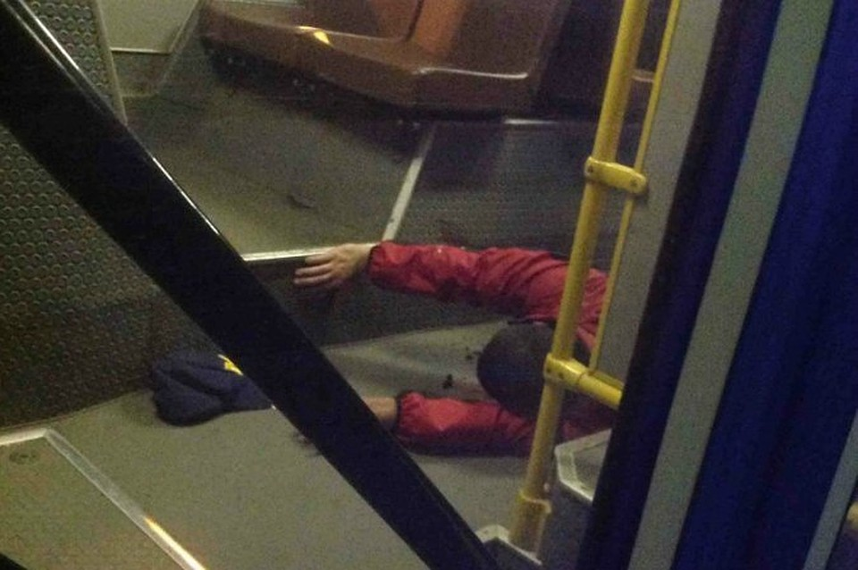 Сиськи порно фото секс эротика в рейсовом автобусе на провел ночной дороге