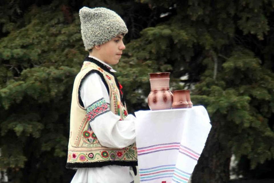 В рамках фестиваля состоится парад национального костюма.