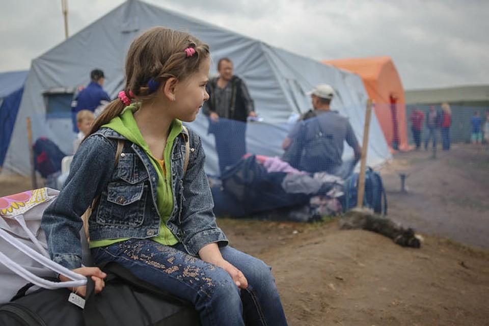 Смотреть Как помочь вынужденным беженцам с Донбасса видео