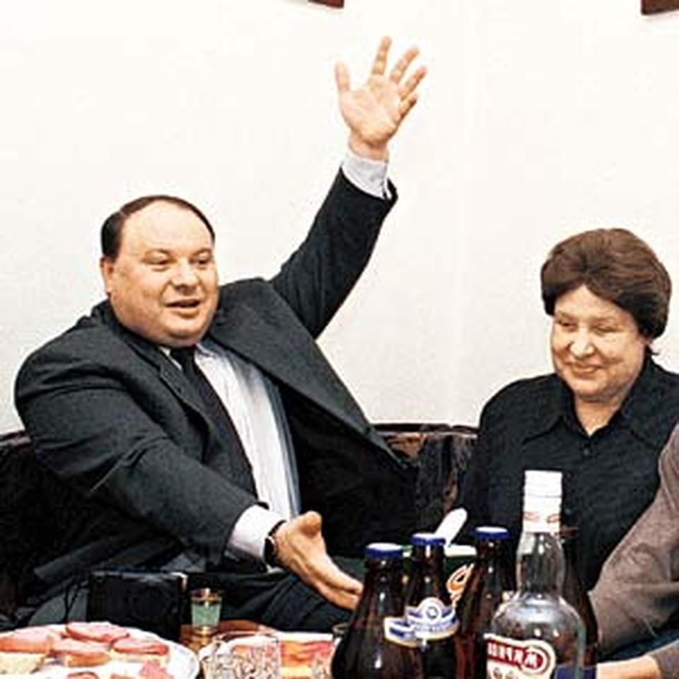 Егор Гайдар с мамой Ариадной Павловной