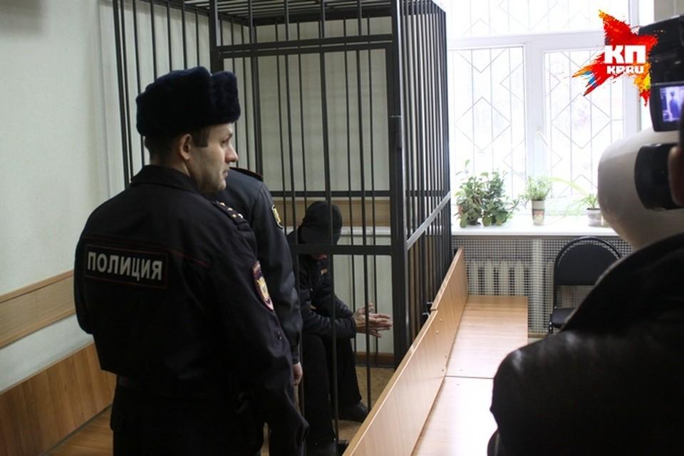 Суд постановил обвиняемых заключить под стражу. Фото: Роман ДОРОФЕЕВ.