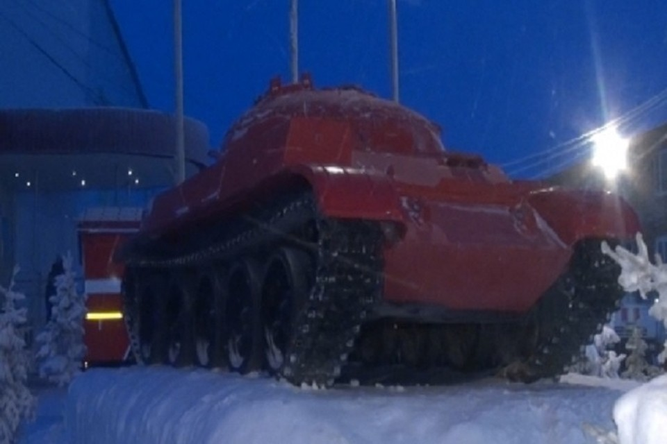 В ЯНАО открыли памятник пожарному танку. Фото с сайта ГУ МЧС России по ЯНАО