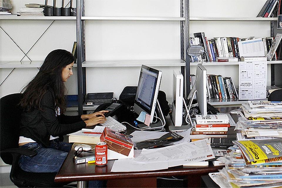 Журнал Charlie Hebdo уволил художника за антисемитизм в 2008 году