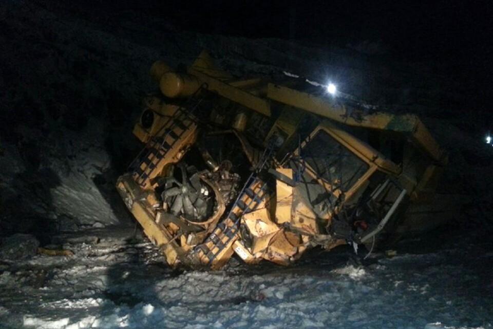 После падения с 30 метров от громадной машины осталась лишь груда металла. Фото: www.hibiny.com