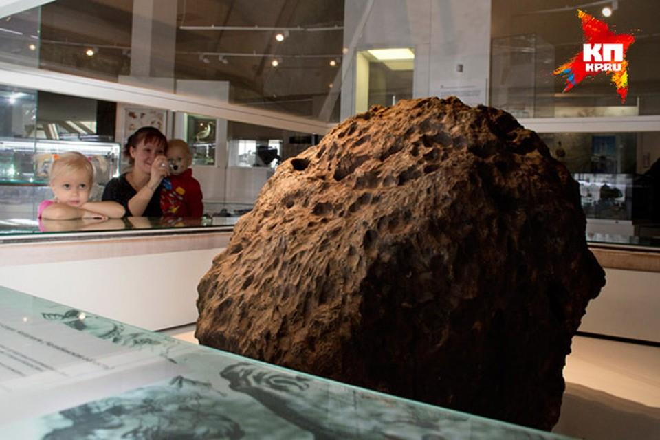 Челябинский метеорит «целился» в город