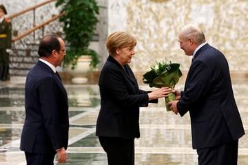 Александр Лукашенко: «Олланд — добряк, а у Меркель человечность идет впереди всех других качеств»