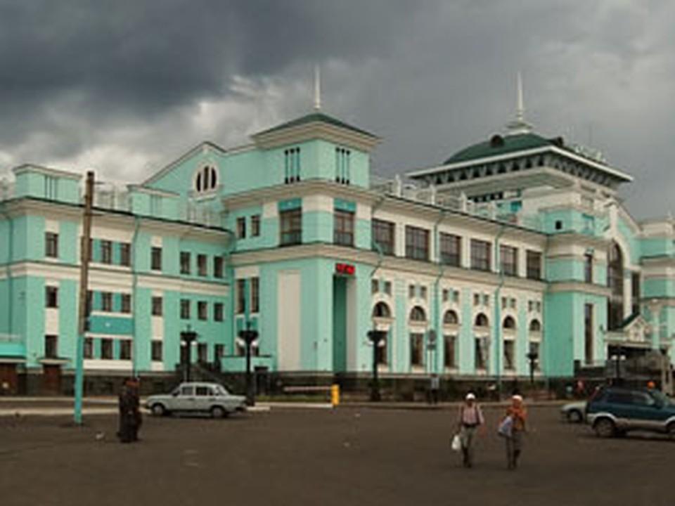 Москвич вскрыл себе вены на омском вокзале