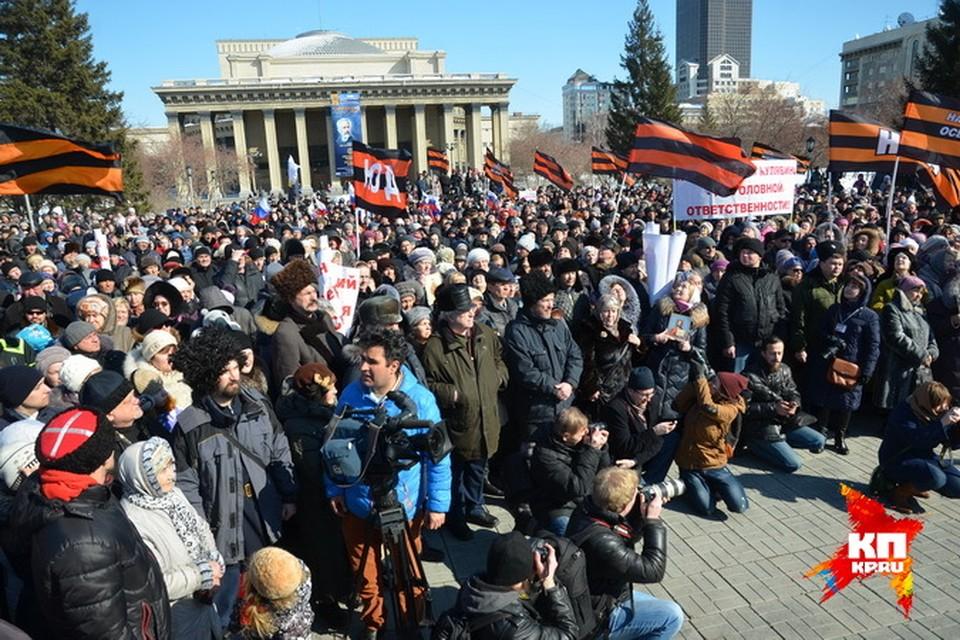 В минувшее воскресенье свое отношение к постановке на площади Ленина выразили  не только пенсионеры, но и молодежь.