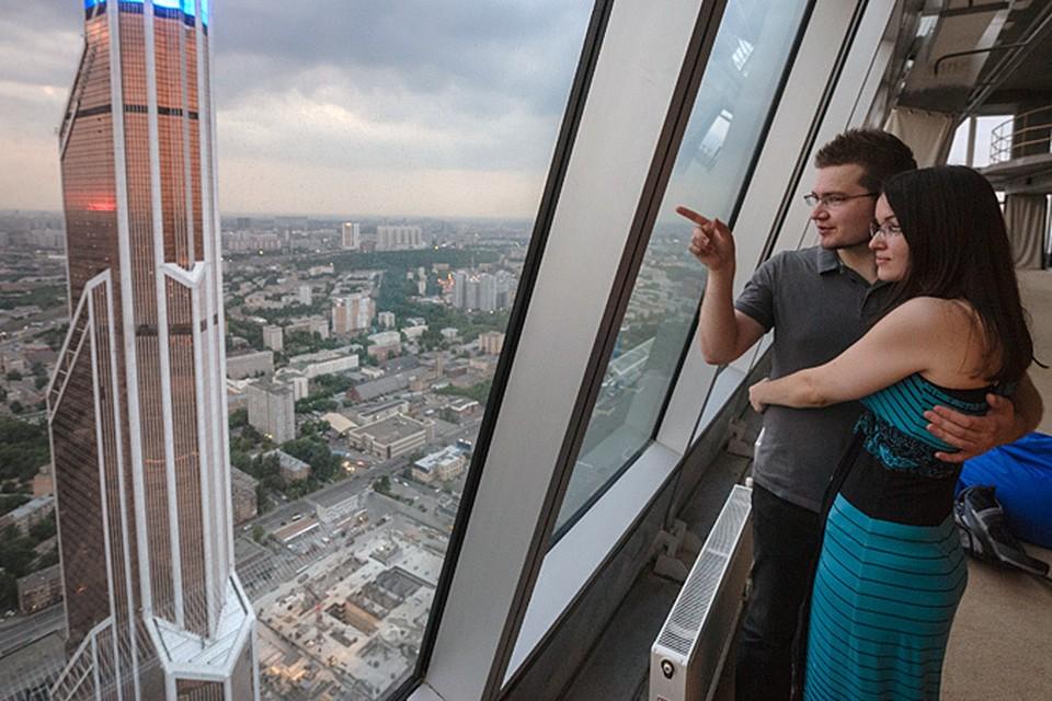 """На 58-й этаж башни """"Империя"""" в «Москва-Сити» поднимет лифт со скоростью 7 метров в секунду"""