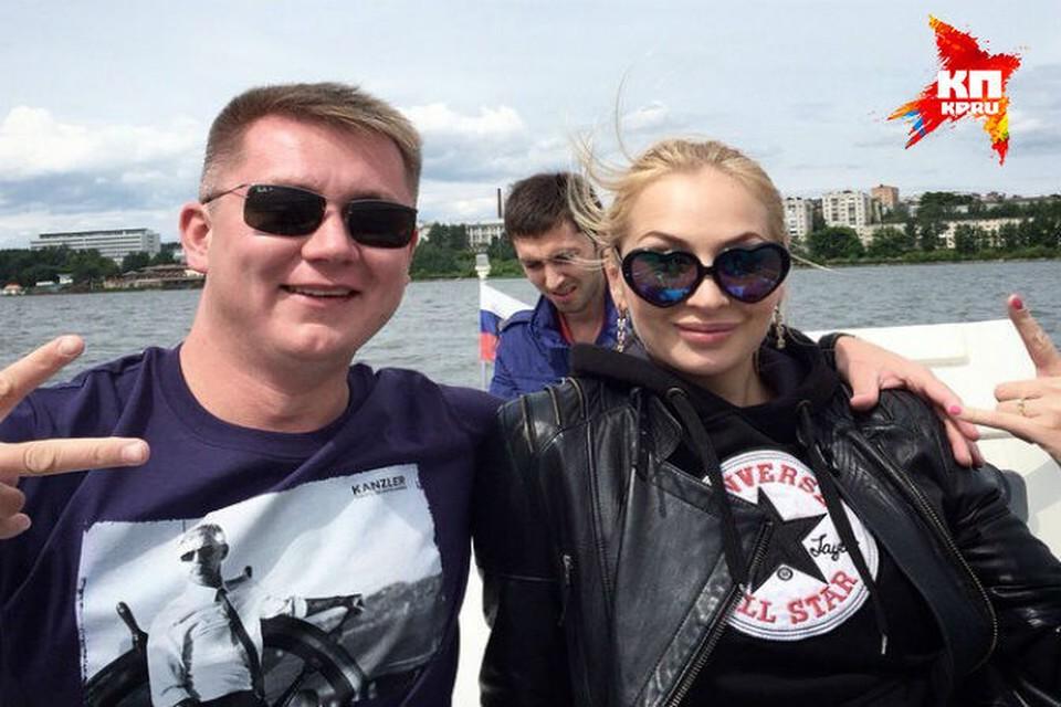 Родные мужчины, погибшего на катере в Ижевске: За рулем была модель Саша Галиахметова, вся компания была не трезва. Фото: vk.com/alexandra_galiakhmetova
