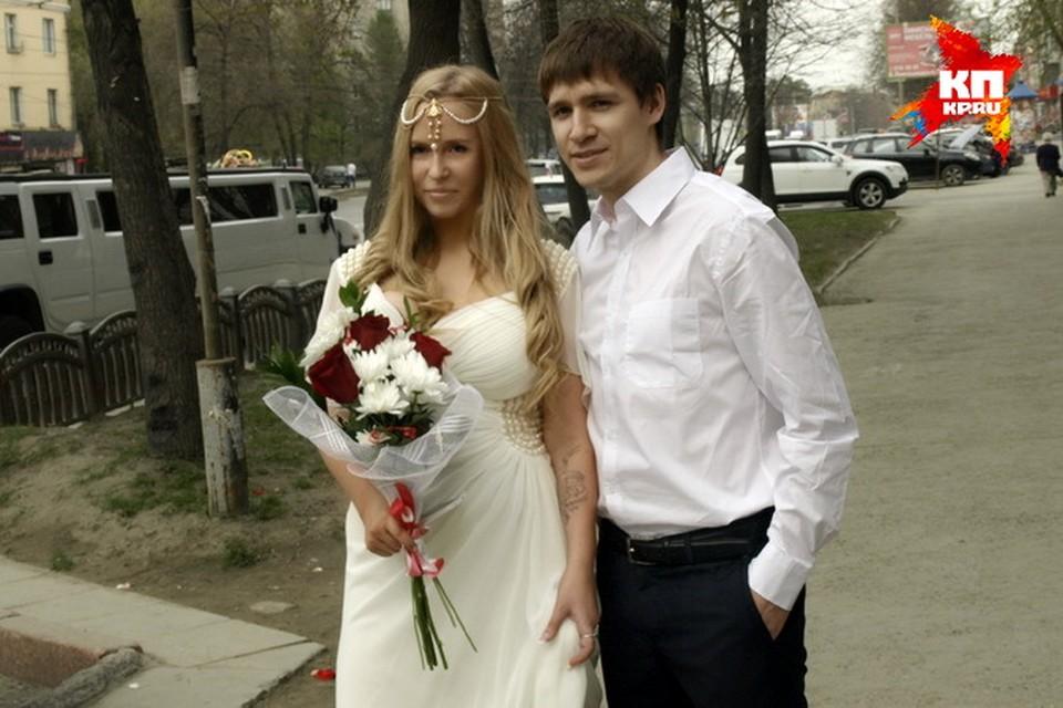 Сергея не пустили за границу, его супруга Виктория осталась вместе с ним в России.  Фото: предоставлено Сергеем Пустыльниковым