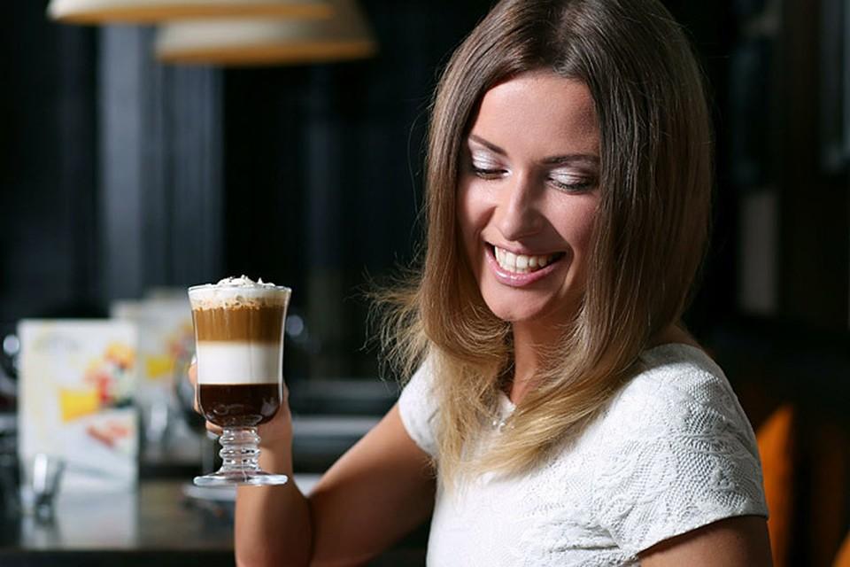 Если вы пьете кофе в умеренных дозах, кофеин может реально помочь при головной боли