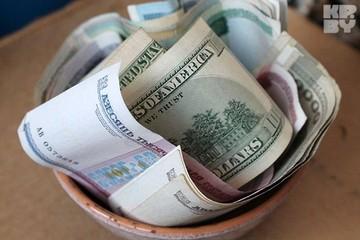 Российский рубль слегка недооценен, но и нефть еще может преподнести сюрприз