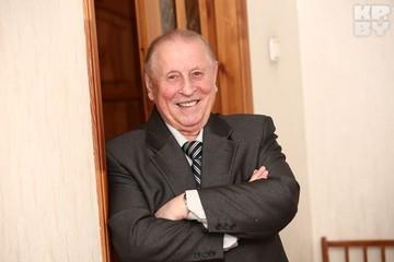 Первый министр здравоохранения независимой Беларуси Василий Казаков: Когда водители «скорых» вышли на площадь, я лично уговорил вернуться их на работу