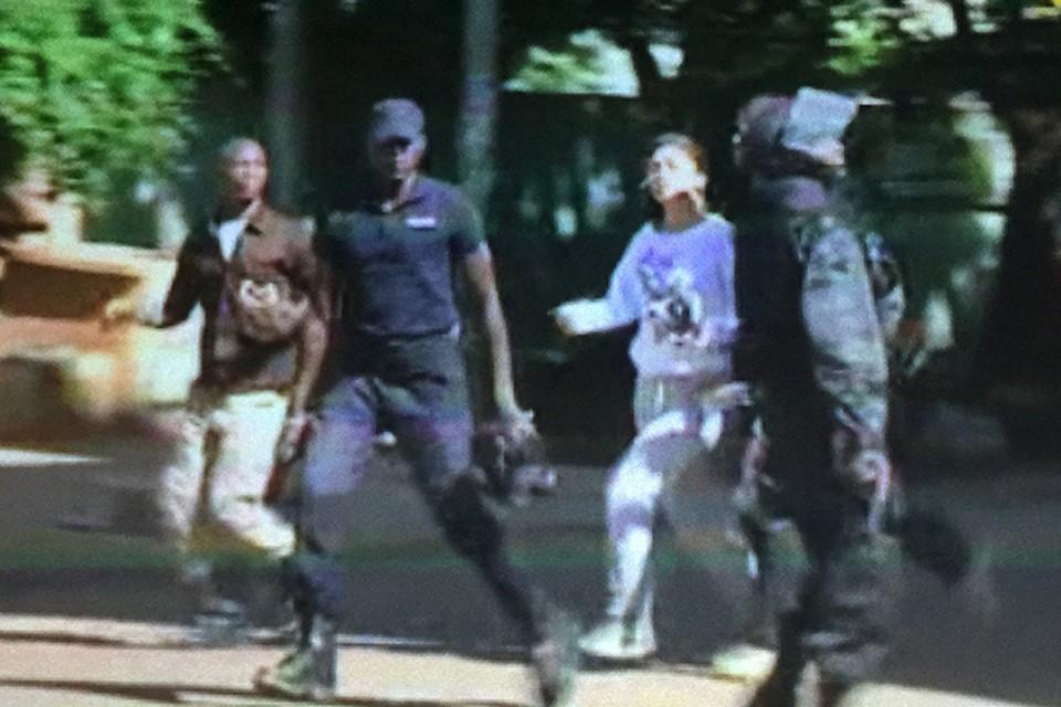 Утром около десяти джихадистов захватили отель Radisson Hotel Bamako в центре столицы Мали