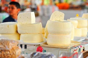 В Пулково уничтожили не весь санкционный сыр